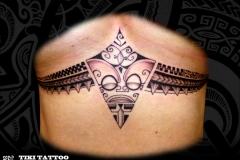Tattoo_Femme_marquisien_poitrine