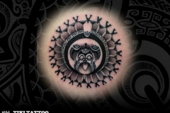 tatouage-dos-cercle-tortue