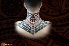 tatouage nuque haut dos homme marquisien tagaloa tiki tattoo